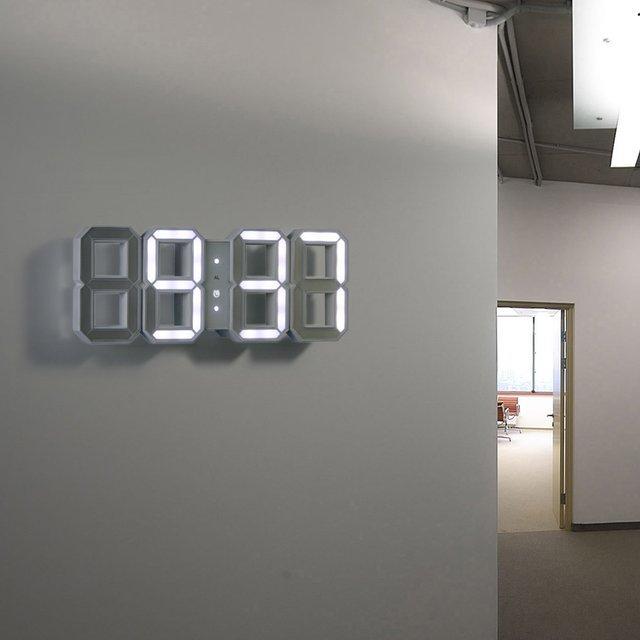 Une horloge murale digitale en LED, un peu la classe   Topito