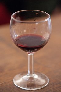 400px-Verre_de_vin_rouge