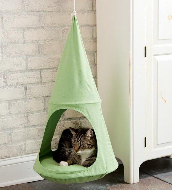 Un panier pour chat suspendu le panier pas le chat topito - Panier pour chat design ...