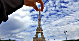 holding-eiffel-tower
