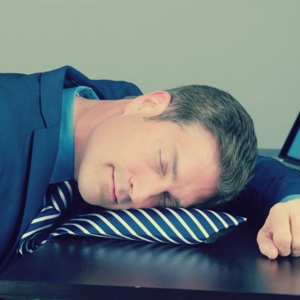 pillow.tie