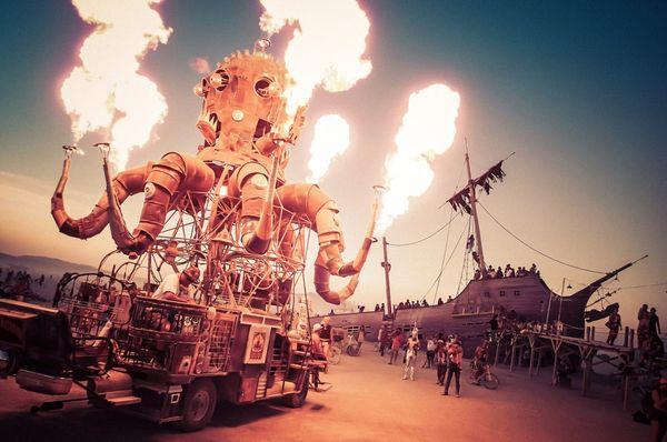 Trey-Ratcliff-Burning-Man-2012-269-of-441-X2-1200x796_resultat