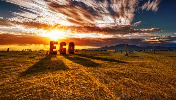 Trey-Ratcliff-Burning-Man-Ego2-X3-1200x683_resultat