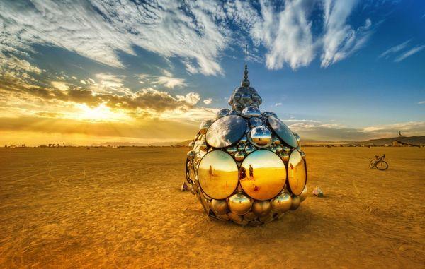 trey-ratcliff-domes-in-playa-burning-man-X3-1200x762_resultat