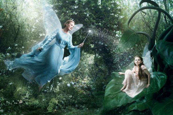 Blue-Fairy-Julie-Andrews-Abigail-Breslin-550x366_resultat