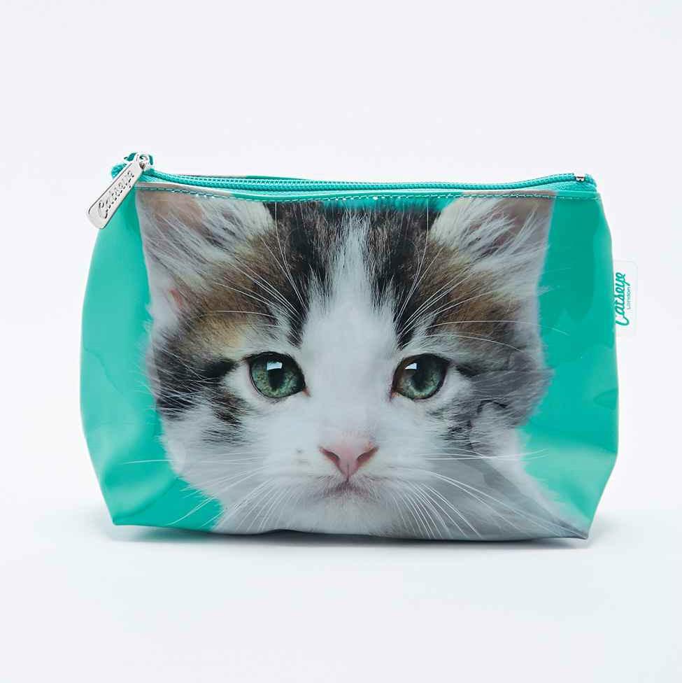 Une trousse de maquillage toilettes chaton topito - Comment empecher un chat d uriner partout ...