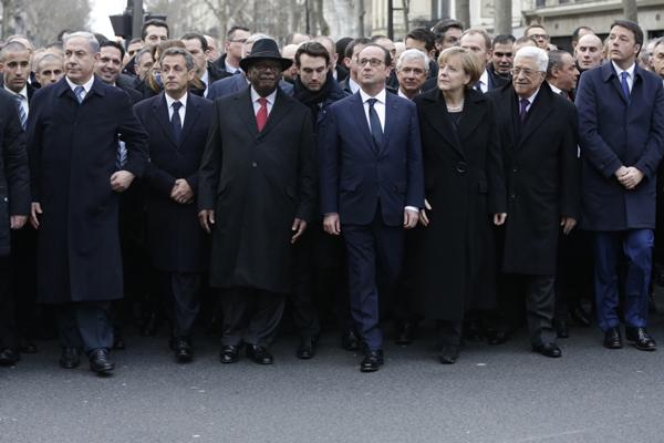 Top 15 des meilleurs détournements sur Nicolas Sarkozy pendant la marche, alias Joe L'incruste