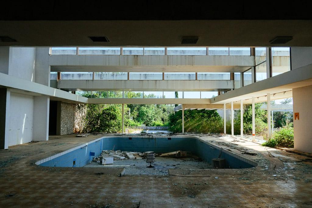 abandoned-hotel-croatia-2