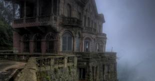 hotel abandonné