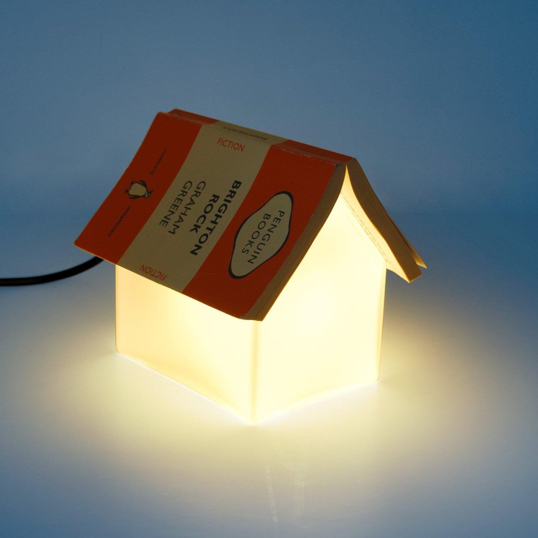 une lampe porte livre en forme de petite maison topito. Black Bedroom Furniture Sets. Home Design Ideas