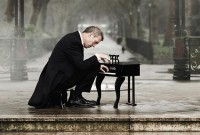 ue_hugh_piano