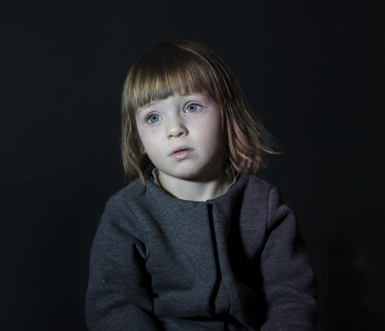 idiot-box-enfant-hypnotise-tele-zombie-6