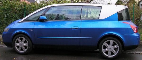 800px-Renault_Avantime_bleu_side