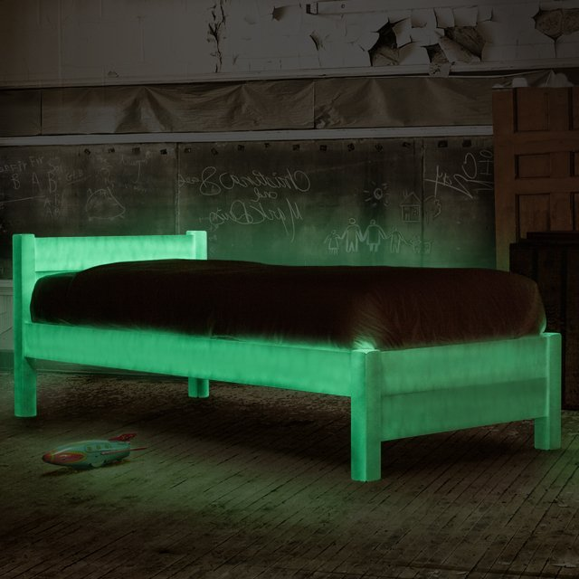 Le lit qui brille dans la nuit pour ne plus jamais se for Lit qui se range