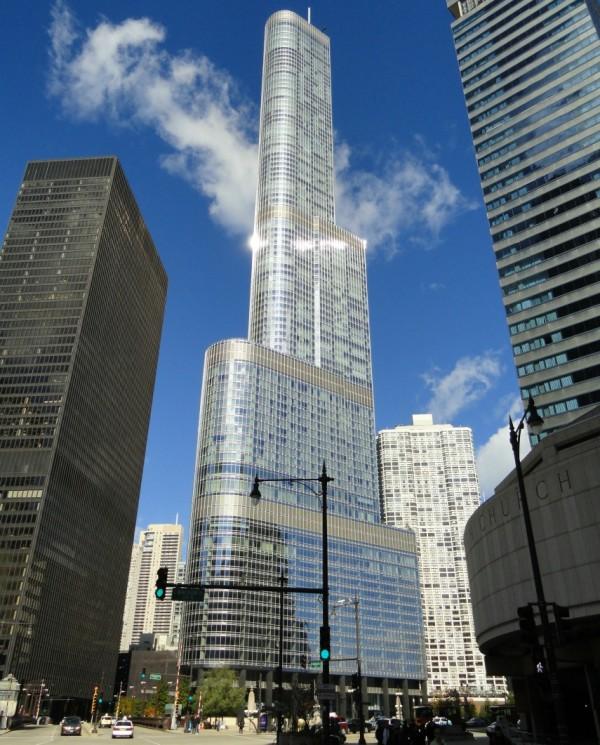 Trump_International_Hotel_and_Tower_(Chicago)_-_DSC09402