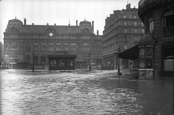 01 Paris_1910_Inondation_gare_Saint-Lazare