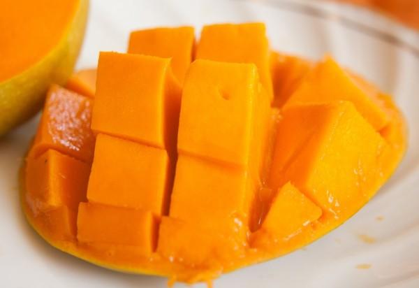 mango-390685_960_720