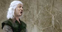 Viserys-Targaryen-house-targaryen-29560222-800-450