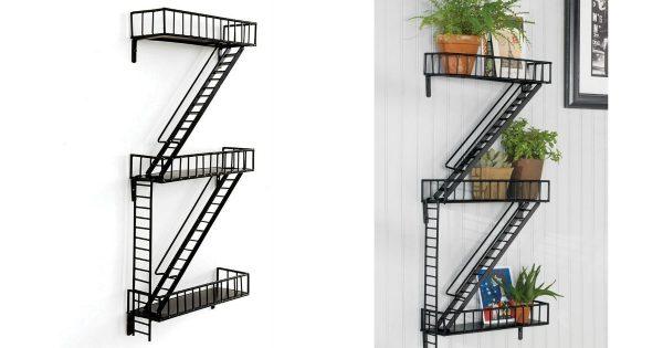 une tag re en forme d 39 escalier de secours comme new york topito. Black Bedroom Furniture Sets. Home Design Ideas