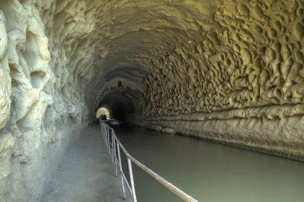 Intérieur_du_tunnel_de_Malpas