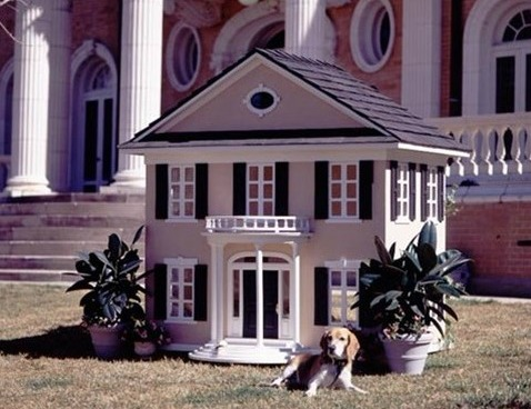Le Petite Maison Cutom Dog House - Colonial - Beds, Blankets & Furniture - Outdoor Houses Posh Puppy Boutique (1)