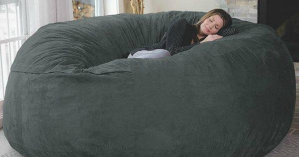 topitruc le plus gros pouf du monde. Black Bedroom Furniture Sets. Home Design Ideas