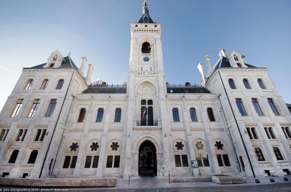 facade-hotel-de-ville1