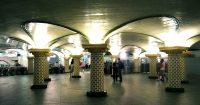 1024px-metro-paris-salle-de-corres