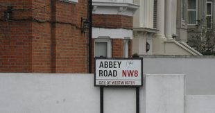 800px-abbey_road_nw8_city_of_westminster