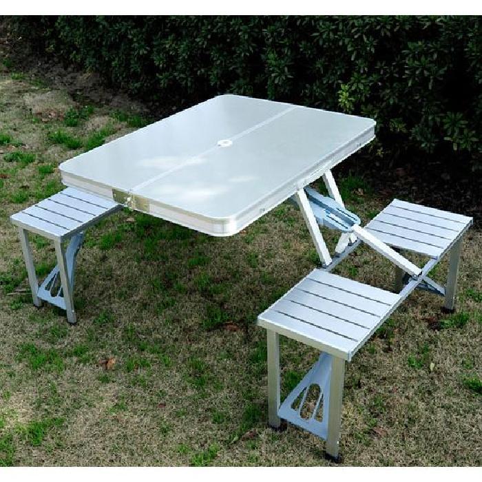 une table de pique nique qui se plie et devient une valise topito. Black Bedroom Furniture Sets. Home Design Ideas
