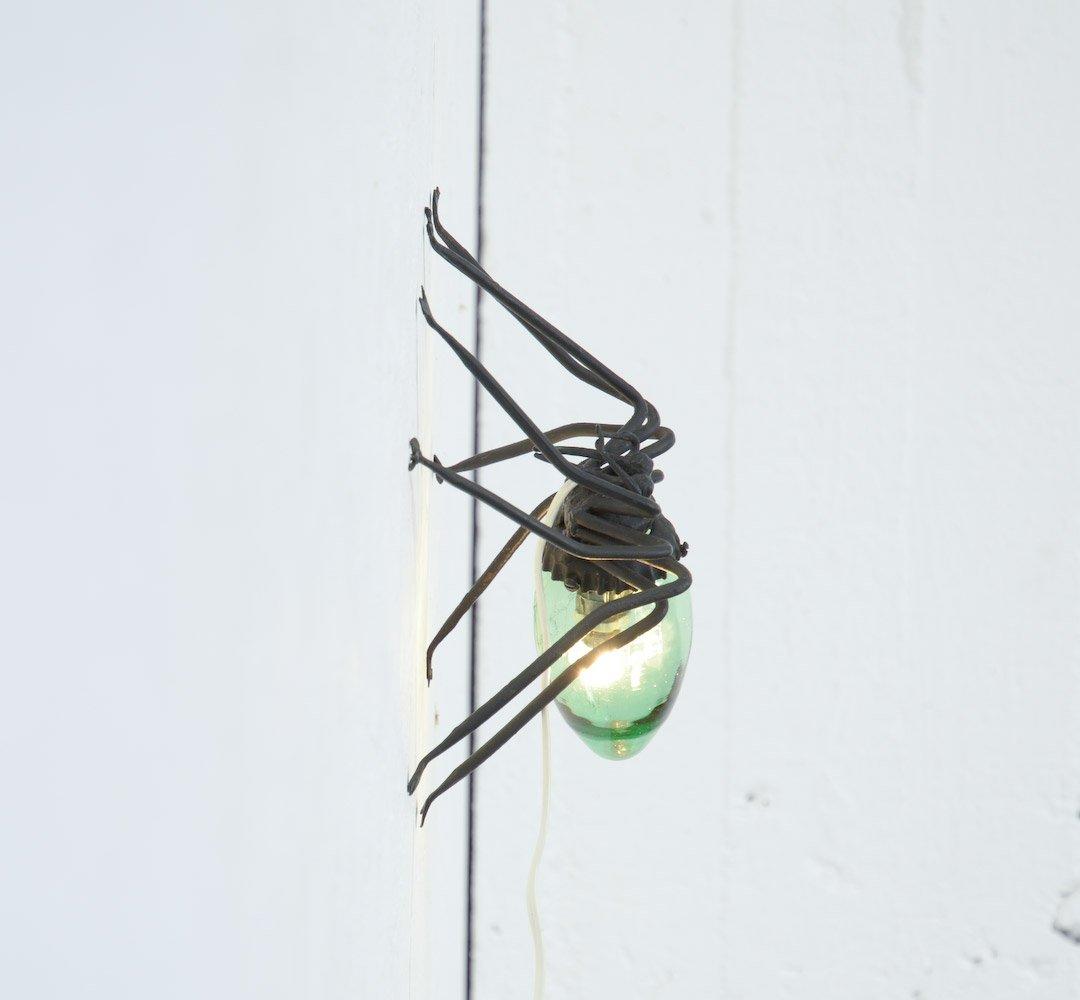 une lampe araign e topito. Black Bedroom Furniture Sets. Home Design Ideas