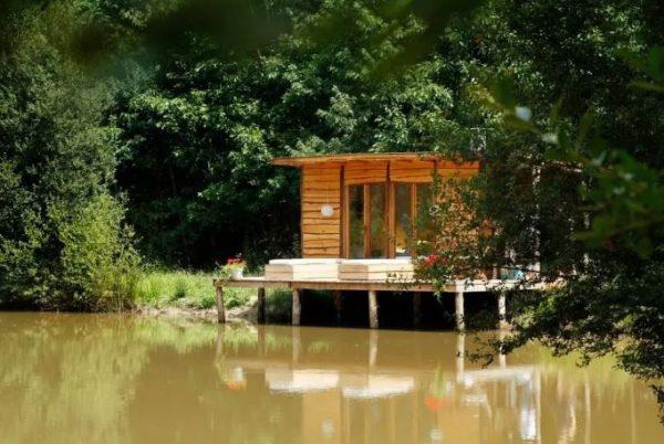 top 40 des airbnb les plus insolites r server en france en 2018 topito. Black Bedroom Furniture Sets. Home Design Ideas