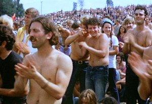 Woodstock_redmond_crowd