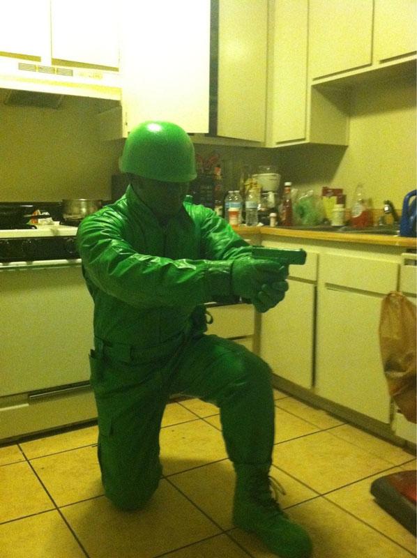 plast-green-army-man-halloween-costume