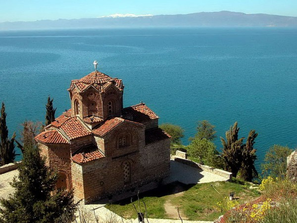 Macedoine - Church_of_Saint_Jovan_Kaneo,_Ohrid