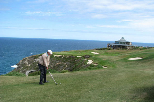 18th hole at Pinnacle Point, George, Garden Route, South Africa