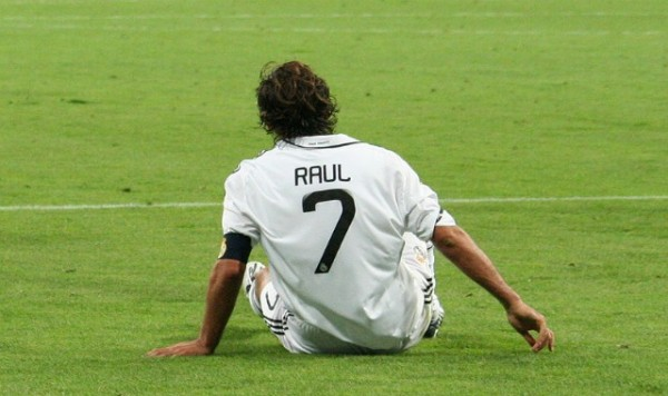 800px-Raul_Gonzalez_Supercopa_2008