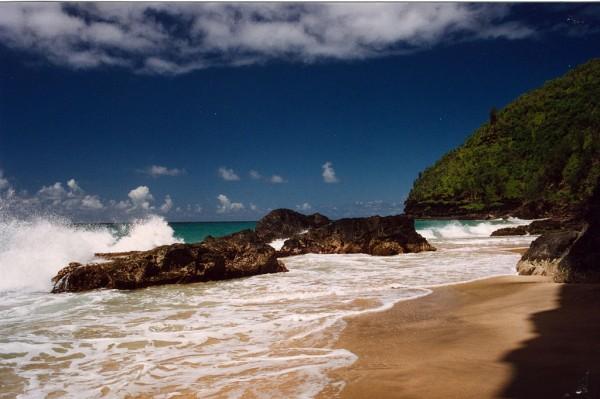 1024px-Hanakapiai_Beach,_Na_Pali_Coast,_Kauai,_Hawaii