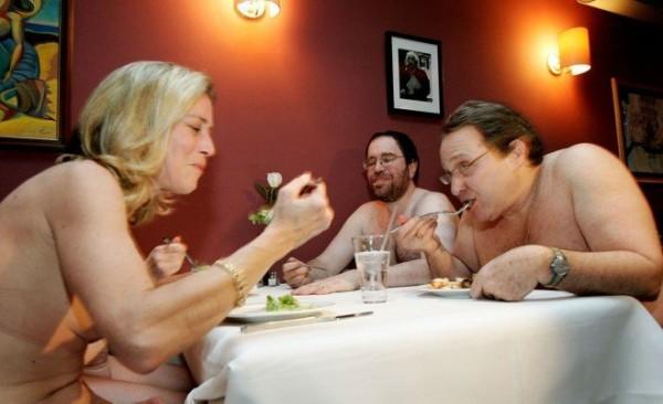 Clothing-Optional-restaurant-naturiste-Manhattan-new-york-nudisme-3