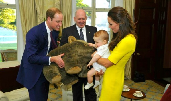 Prince_George_of_Cambridge_with_wombat_plush_toy