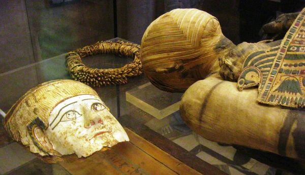 momie égyptienne et son masque_resultat