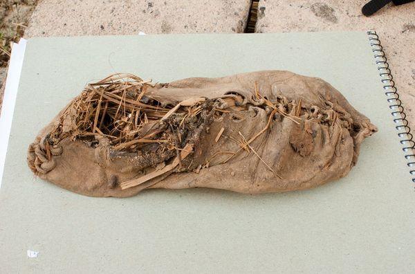 plus vieille chaussure de cuir, 5500 ans d'âge, cave arménienne_resultat