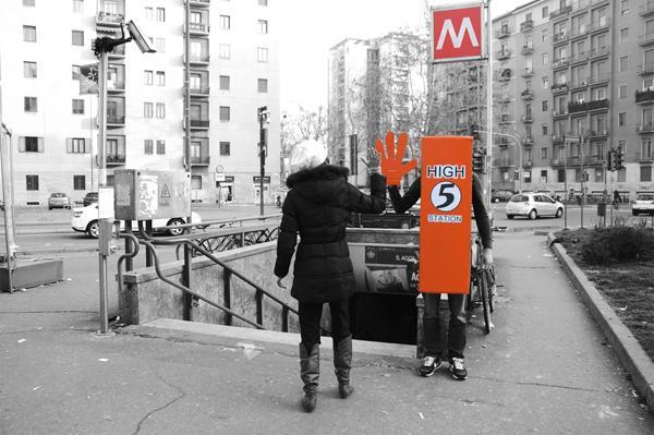 high-five-station-in-milan-2013-L-Jw4qO0