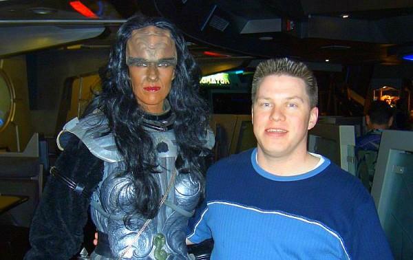 Klingon_Woman_with_Sean
