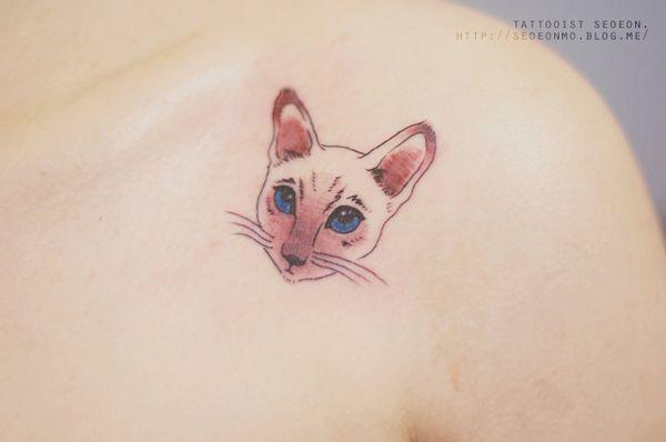 minimalistic-feminine-discreet-tattoo-seoeon-11_resultat