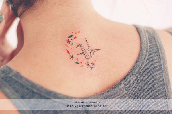 minimalistic-feminine-discreet-tattoo-seoeon-34_resultat