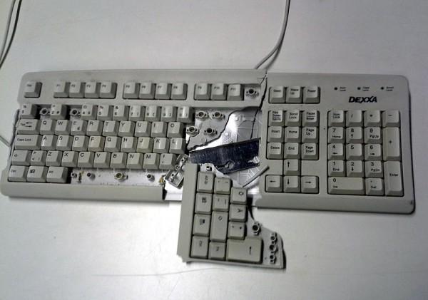 Broken_keyboard