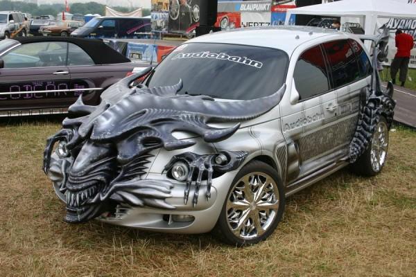 Alien Queen Hatchback