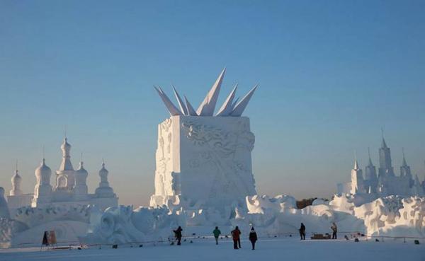 Harbin-Ice-Festival-2015_0-640x394