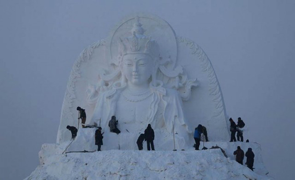 Harbin-Ice-Festival-2015_1-640x391